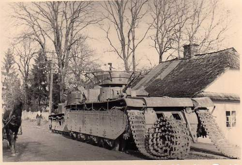 Click image for larger version.  Name:heavy artillary&tanks3026.jpg Views:181 Size:100.4 KB ID:57749