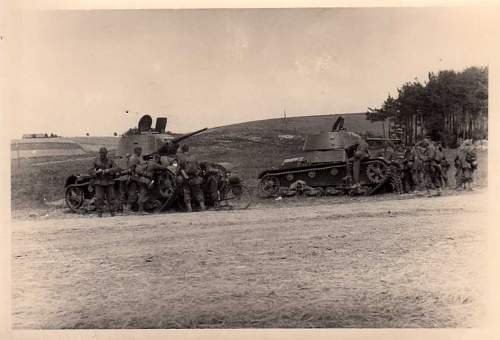 Click image for larger version.  Name:heavy artillary&tanks3028.jpg Views:182 Size:66.2 KB ID:57751