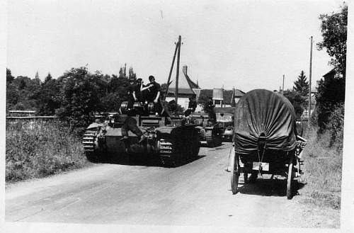 Click image for larger version.  Name:heavy artillary&tanks4070.jpg Views:89 Size:74.3 KB ID:58115