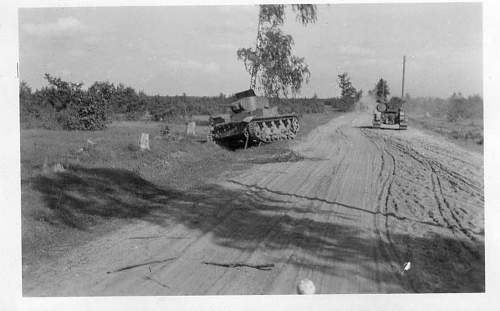 Click image for larger version.  Name:heavy artillary&tanks4073.jpg Views:67 Size:49.5 KB ID:58118