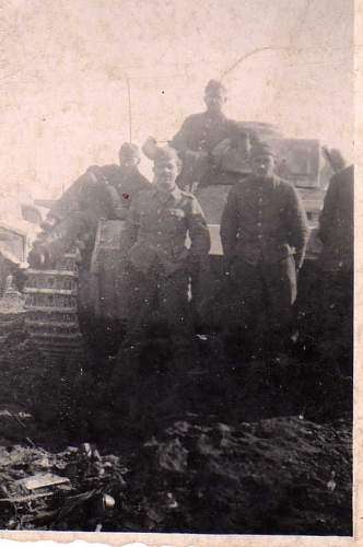 Click image for larger version.  Name:heavy artillary&tanks4075.jpg Views:91 Size:41.1 KB ID:58120