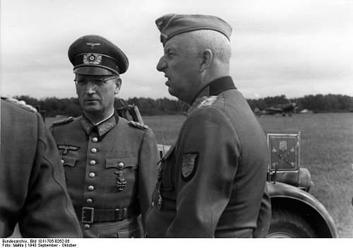 Click image for larger version.  Name:Generalfeldmarschall Erich von Manstein (r_) und Generalmajor Dr_ Hans Speidel.jpg Views:74 Size:44.8 KB ID:601923