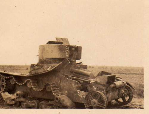 Click image for larger version.  Name:heavy artillary&tanks4093.jpg Views:82 Size:22.2 KB ID:60996