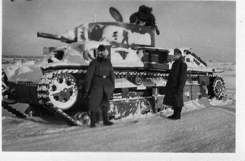 Click image for larger version.  Name:heavy artillary&tanks4119.jpg Views:94 Size:49.5 KB ID:61021
