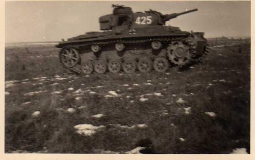 Click image for larger version.  Name:heavy artillary&tanks4120.jpg Views:70 Size:43.9 KB ID:61022