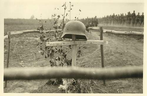 Click image for larger version.  Name:German_Grave_01WW.jpg Views:46 Size:83.7 KB ID:672322