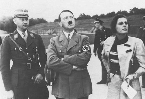 Pic of Hitler with SS and SA?