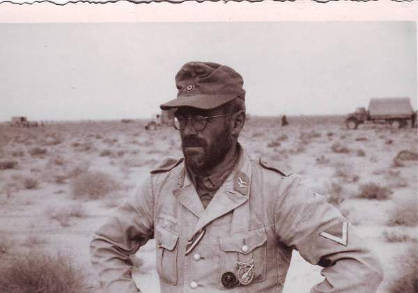 Odd Pic - Afrika Korps Heer With Luft Buckle