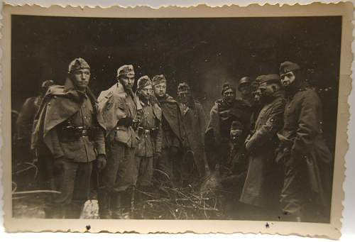 Click image for larger version.  Name:soldiers_fire.jpg Views:38 Size:183.0 KB ID:718039