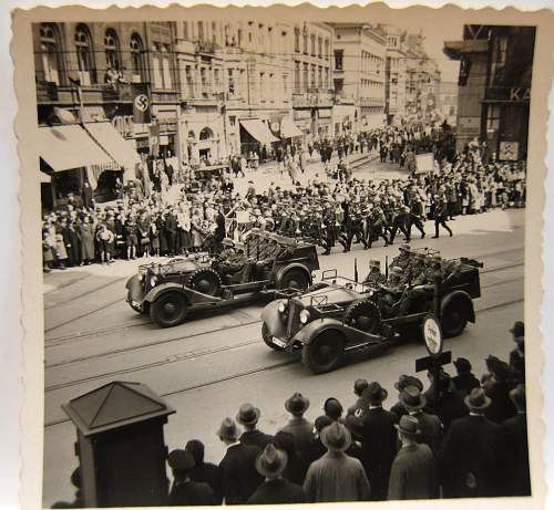Click image for larger version.  Name:streetparadecars.jpg Views:129 Size:181.1 KB ID:729580