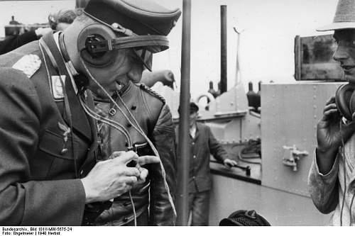 Click image for larger version.  Name:Bundesarchiv_Bild_101II-MW-5675-24,_Übung_zum_Unternehmen__Seelöwe_.jpg Views:45 Size:52.8 KB ID:750582