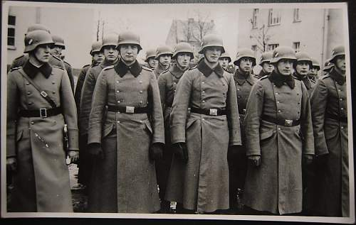 Click image for larger version.  Name:troops.jpg Views:31 Size:152.4 KB ID:914656