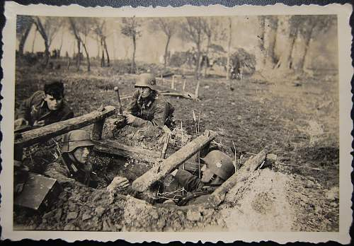 Click image for larger version.  Name:foxhole.jpg Views:29 Size:301.7 KB ID:929159