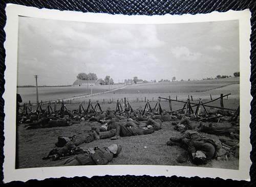Click image for larger version.  Name:soldiers_in_field.jpg Views:38 Size:272.3 KB ID:931678