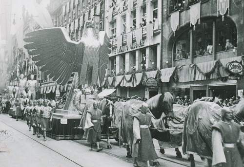 Post your Day Of German Art parade photos