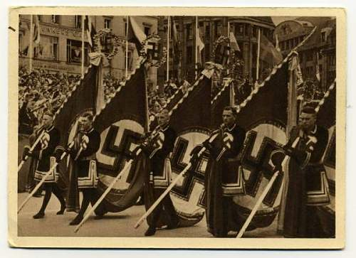 Click image for larger version.  Name:medieval flag-bearers.jpg Views:1261 Size:45.3 KB ID:96295