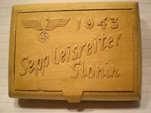 Wooden cigarete case