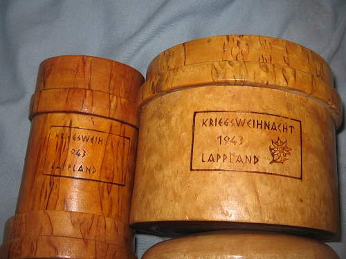 2 little wooden boxes - SS GEB. DIV. Nord - Karelien 1943 Weichnachten