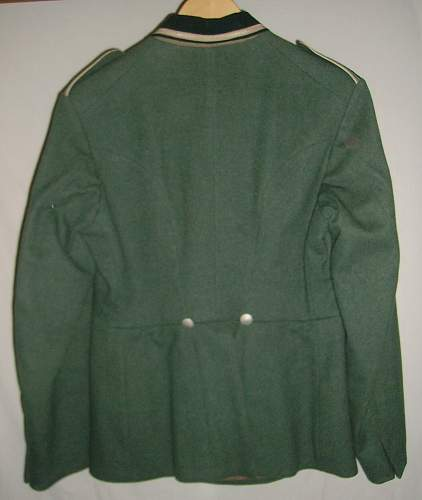 Looking for a German Tunic for display!