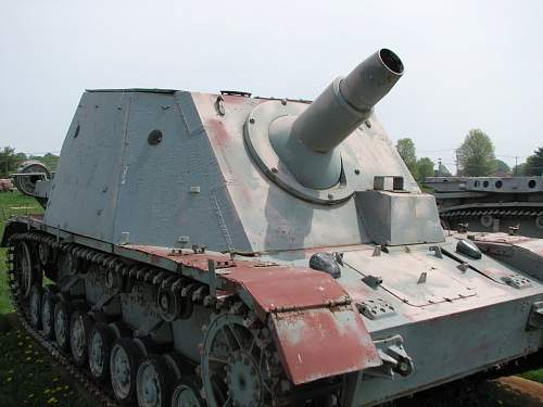 Click image for larger version.  Name:sturmpanzer%20iv%20grizzly%20bear.jpg Views:766 Size:113.6 KB ID:115796