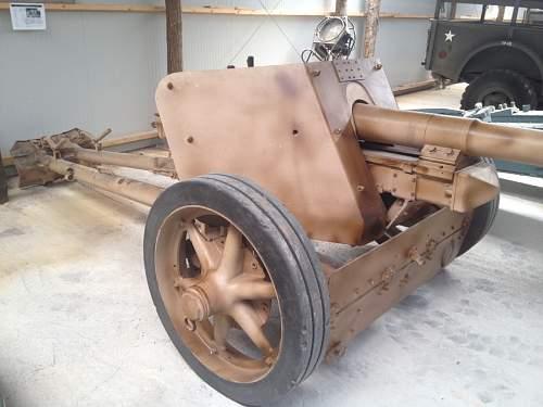 German WWII Pak 40 75 mm