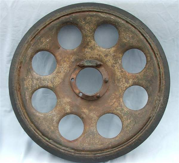 Click image for larger version.  Name:Sd Kfz 251 road wheel 001.jpg Views:175 Size:58.1 KB ID:20261