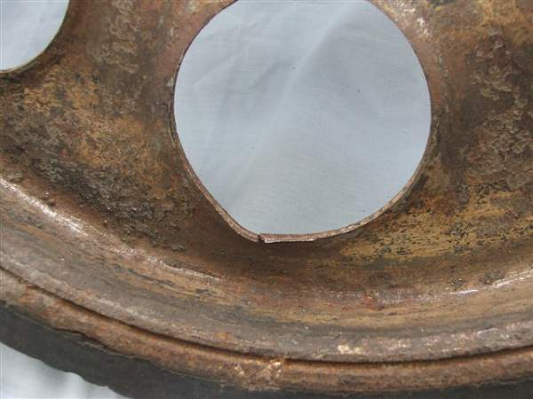 Click image for larger version.  Name:Sd Kfz 251 road wheel 010.jpg Views:89 Size:59.0 KB ID:20270