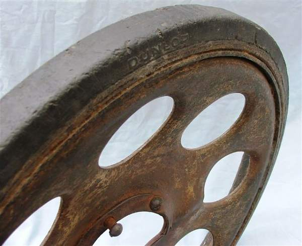 Click image for larger version.  Name:Sd Kfz 251 road wheel 012.jpg Views:610 Size:50.2 KB ID:20272