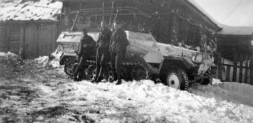Click image for larger version.  Name:SdKfz_251-3_winter_camo.jpg Views:488 Size:67.2 KB ID:783553