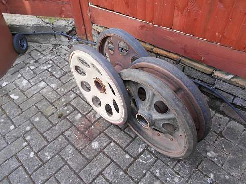 Click image for larger version.  Name:SdKfz 251 wheels2 2-03-2015.jpg Views:73 Size:183.8 KB ID:809996