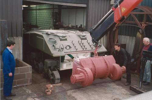 Click image for larger version.  Name:sherman tank gearbox replacement..jpg Views:26 Size:116.3 KB ID:843403