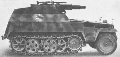 Schutzenpanzerwagen 250 and 251 camouflaged wheels,