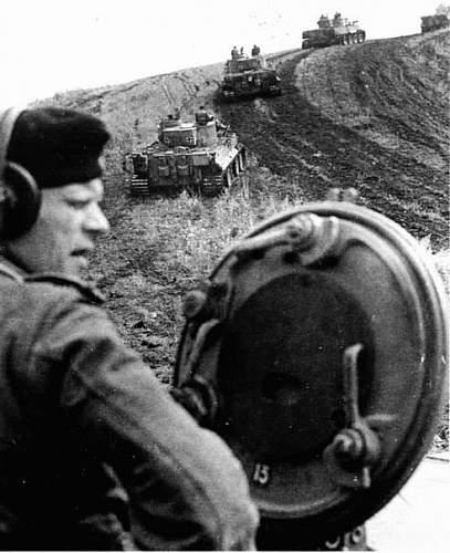 Tiger commanders hatch operation