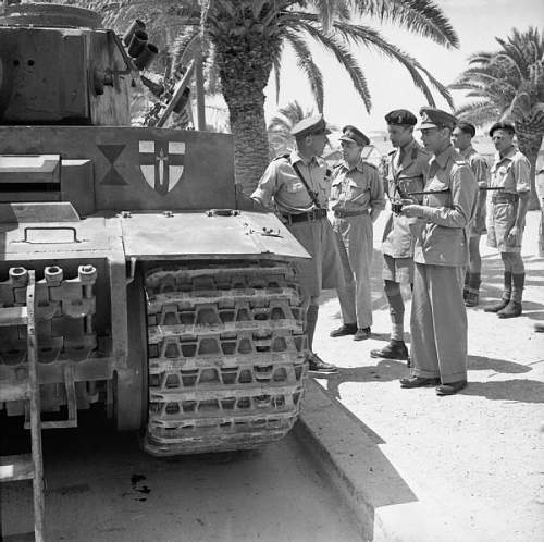 Click image for larger version.  Name:The_British_Army_in_Tunisia_1943_NA3693.jpg Views:27 Size:99.9 KB ID:959187