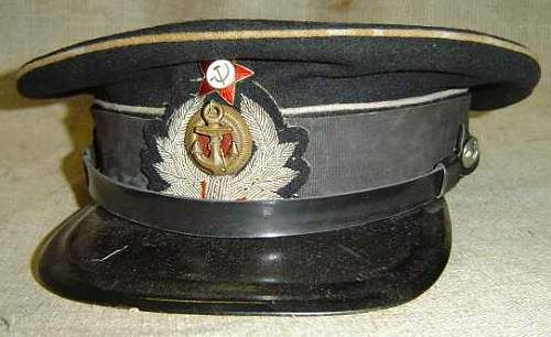 Is this an original Soviet WW2 visor?