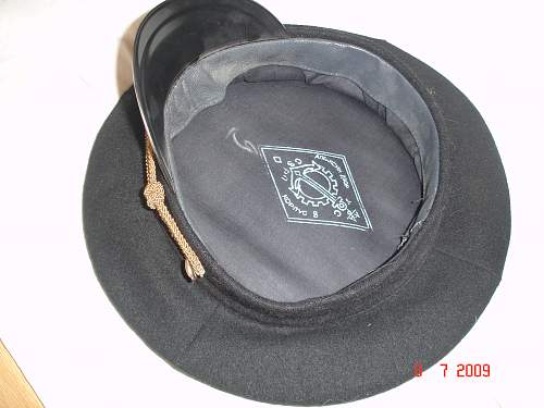 Click image for larger version.  Name:russian visor cap 016.jpg Views:132 Size:242.6 KB ID:45191