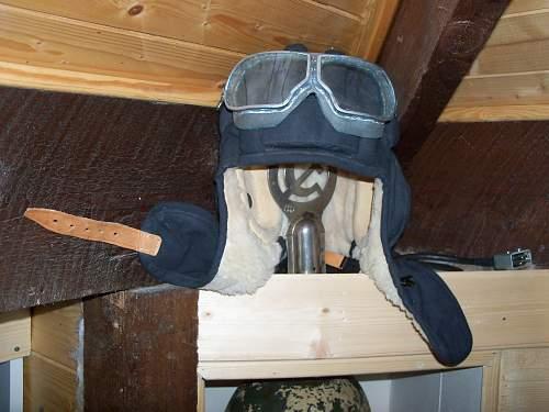 tank helmet  goggle pickup
