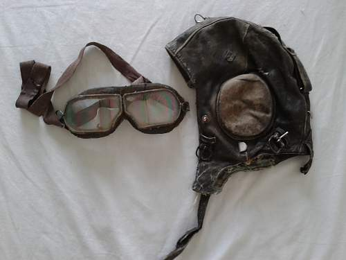 Flying helmet and flying glasses from the Normandie Niemen squadron