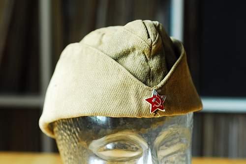 Is this an original WW2 pilotka or a postwar type?