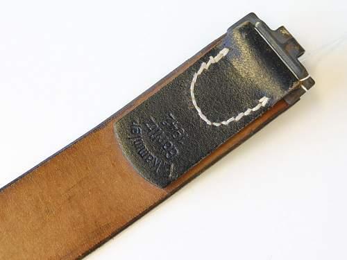 Click image for larger version.  Name:koppelriemen-wehrmacht-datiert-1942-sehr-guter-zustand-6.jpg Views:17 Size:161.8 KB ID:1004855