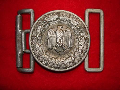 Who made this Heer buckle?