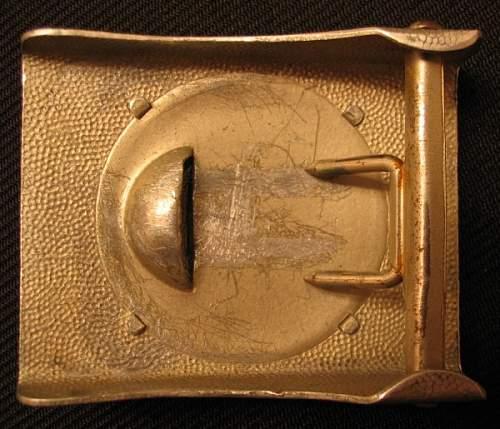 Left facing buckles