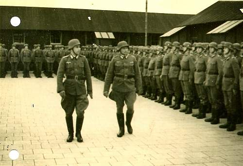 Click image for larger version.  Name:Appell_bei_der_Wehrmacht_Bamberg_Maerz_1945.jpg Views:2260 Size:211.8 KB ID:304295