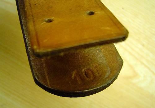 Heer buckle/tab/belt