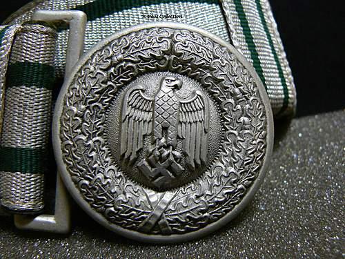Heer Officer's belt and buckle