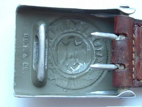 Heer belt. Real or not?