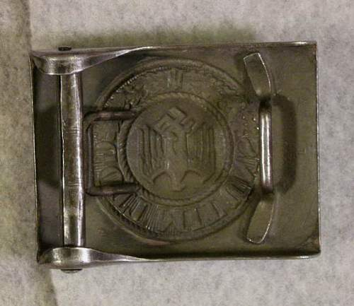 Heer Combat Buckle marked JFS and Heer Buckle marked O-C in Diamond: Authentic pieces or rogue gallery stuff?