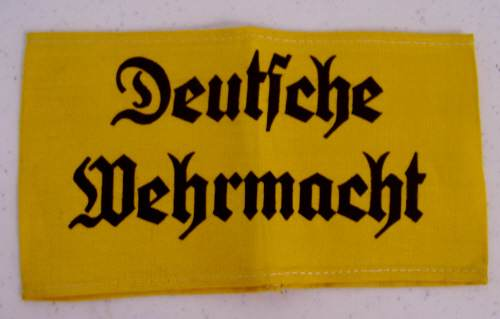Luftwaffe Sport Shirt Eagle and Deutsche Wehrmacht Armband: Condition too good to be authentic?