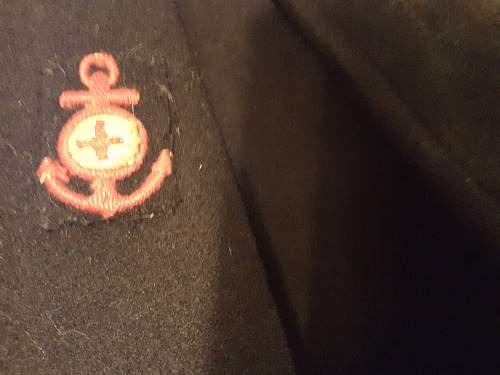 Unknown coat insignia