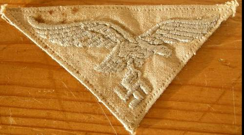 Fake or real . Luftwaffe patch